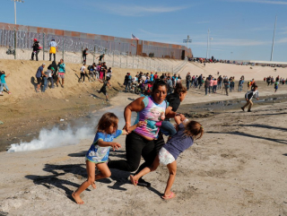 Border Patrol Tear Gasses Children on Sunday  Nov. 25  2018 (Kim Kyung Hoon.Reuters)